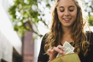 4 Simple Money Tips to Share with Your Teens